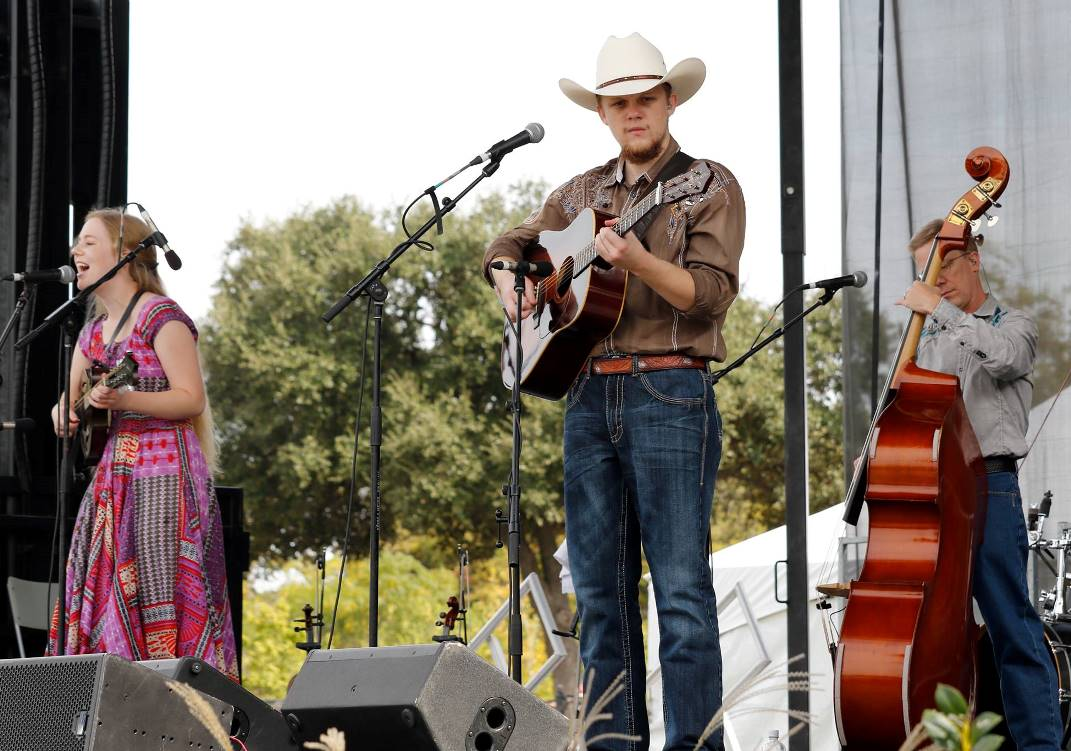The Snyder Family Band at Bloomin' Bluegrass Festival 2015. Photo by Nathanial Dalzell.