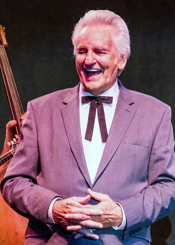 Del McCoury as an Earl of Leicester (Oct 2017)(photo by Nate Dalzell)