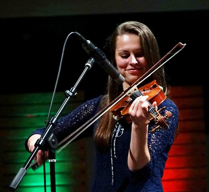 Hailey Sandoz at Lone Star Fest 2015 with the Herrins. Photo by Bob Compere.
