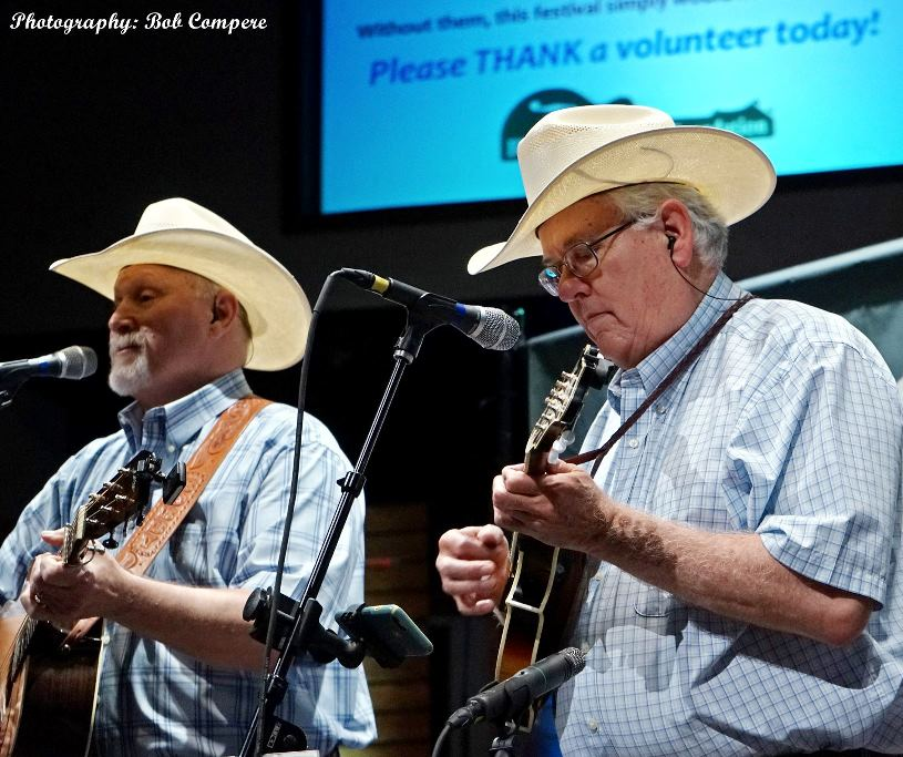 Bobby Giles & Music Mountain at Lone Star Fest 2016. Photo by Bob Compere.