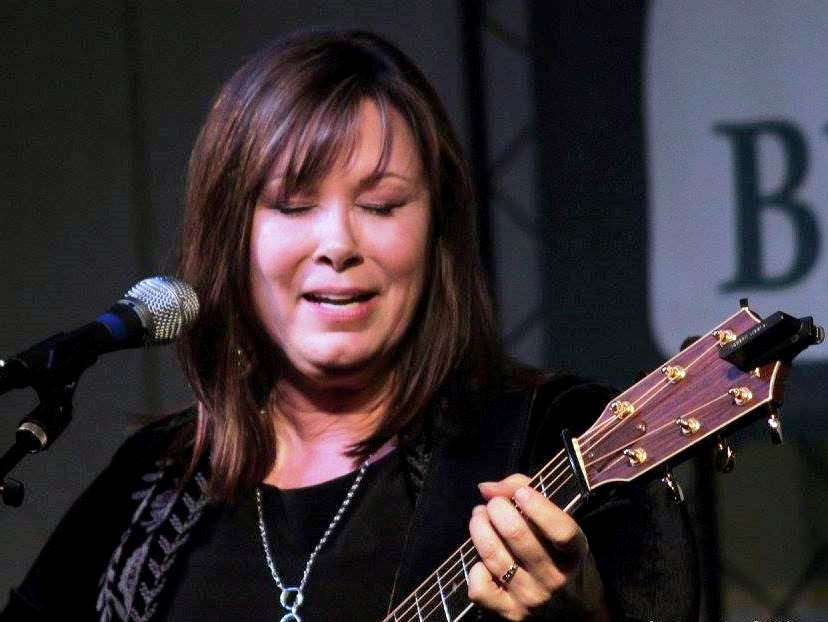 Suzy Bogguss at Lone Star Fest 2015. Photo by Bob Compere.