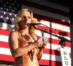 Rhonda Vincent Bluegrass Star Award Presentation 2010